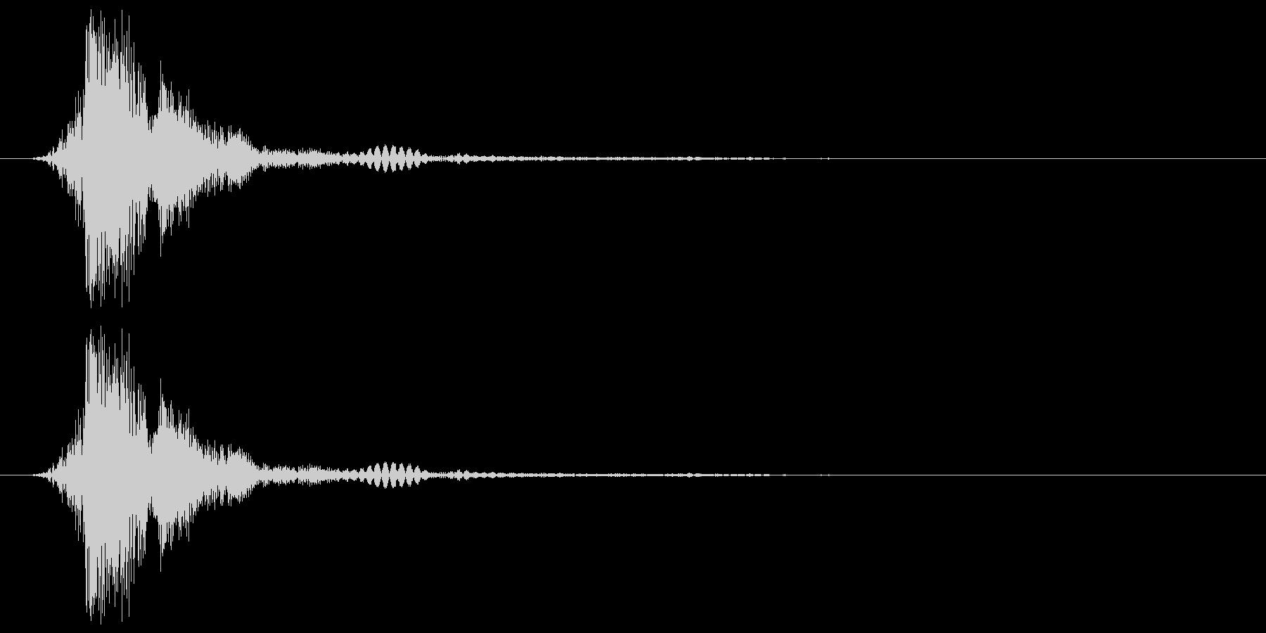 テレビ 画面の点灯OR消灯音 チィッの未再生の波形