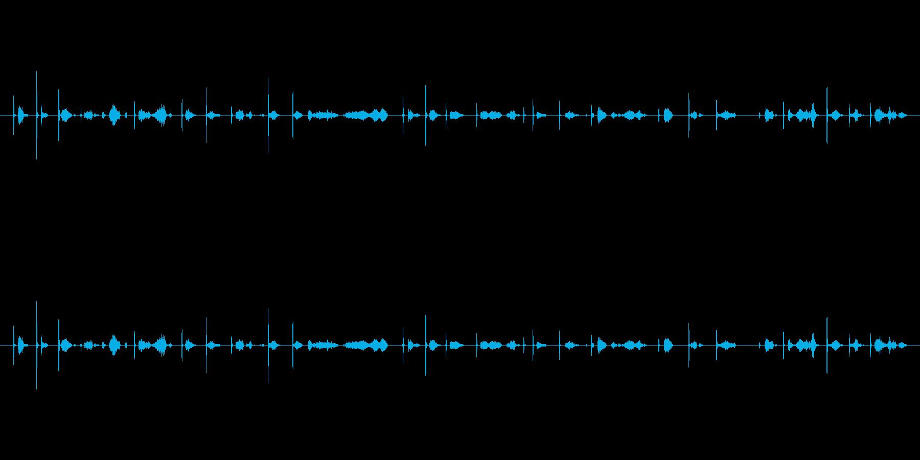カッカー(鉛筆で文字を書く音)木の板Csの再生済みの波形