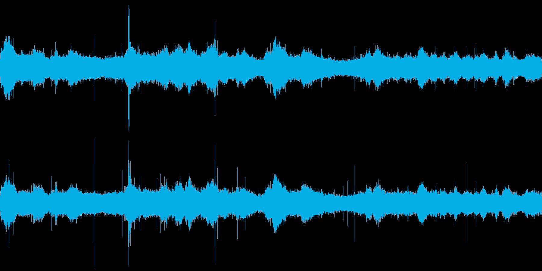 台風が通過した時の音をサンプリングの再生済みの波形