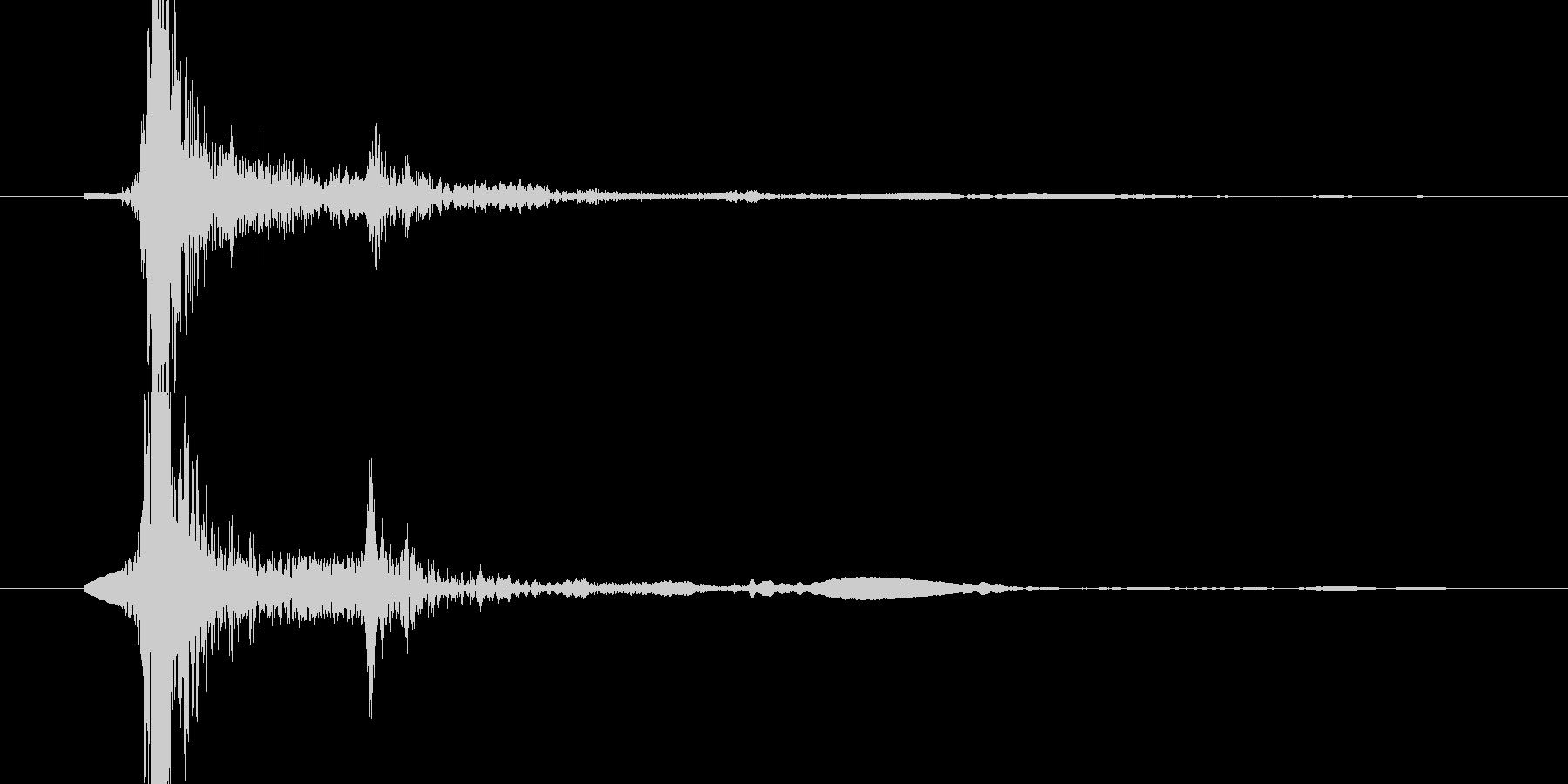 キーボード(ッターン!とEnterキー)の未再生の波形