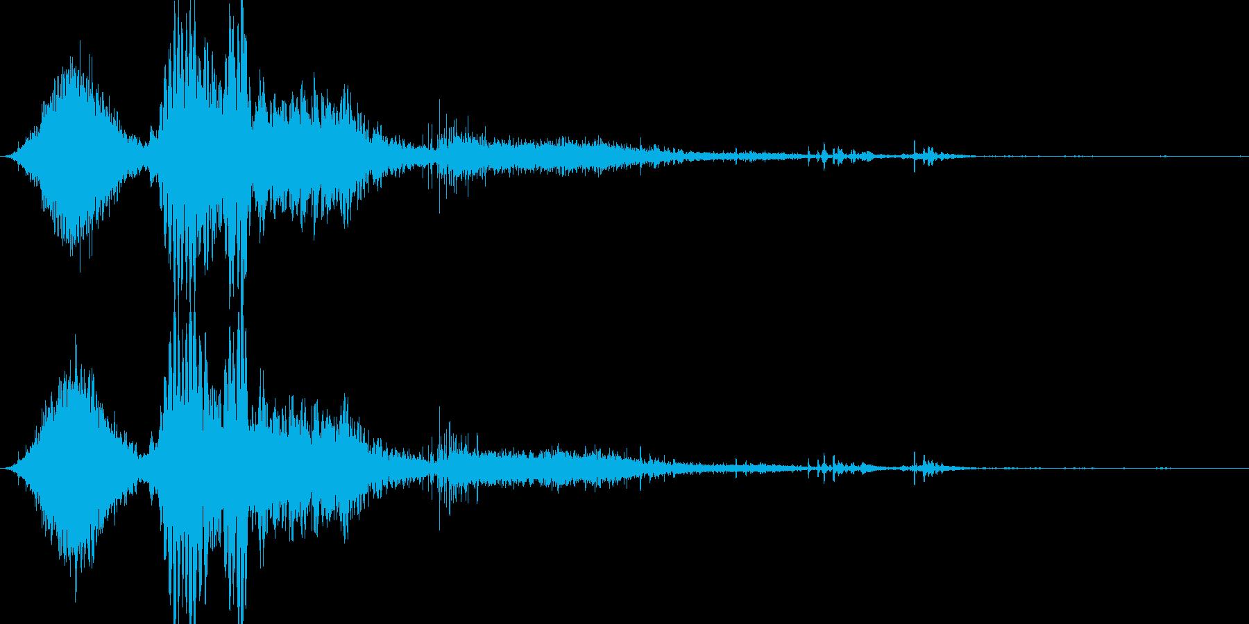斬撃音(刀や剣で斬る/刺す効果音)10の再生済みの波形