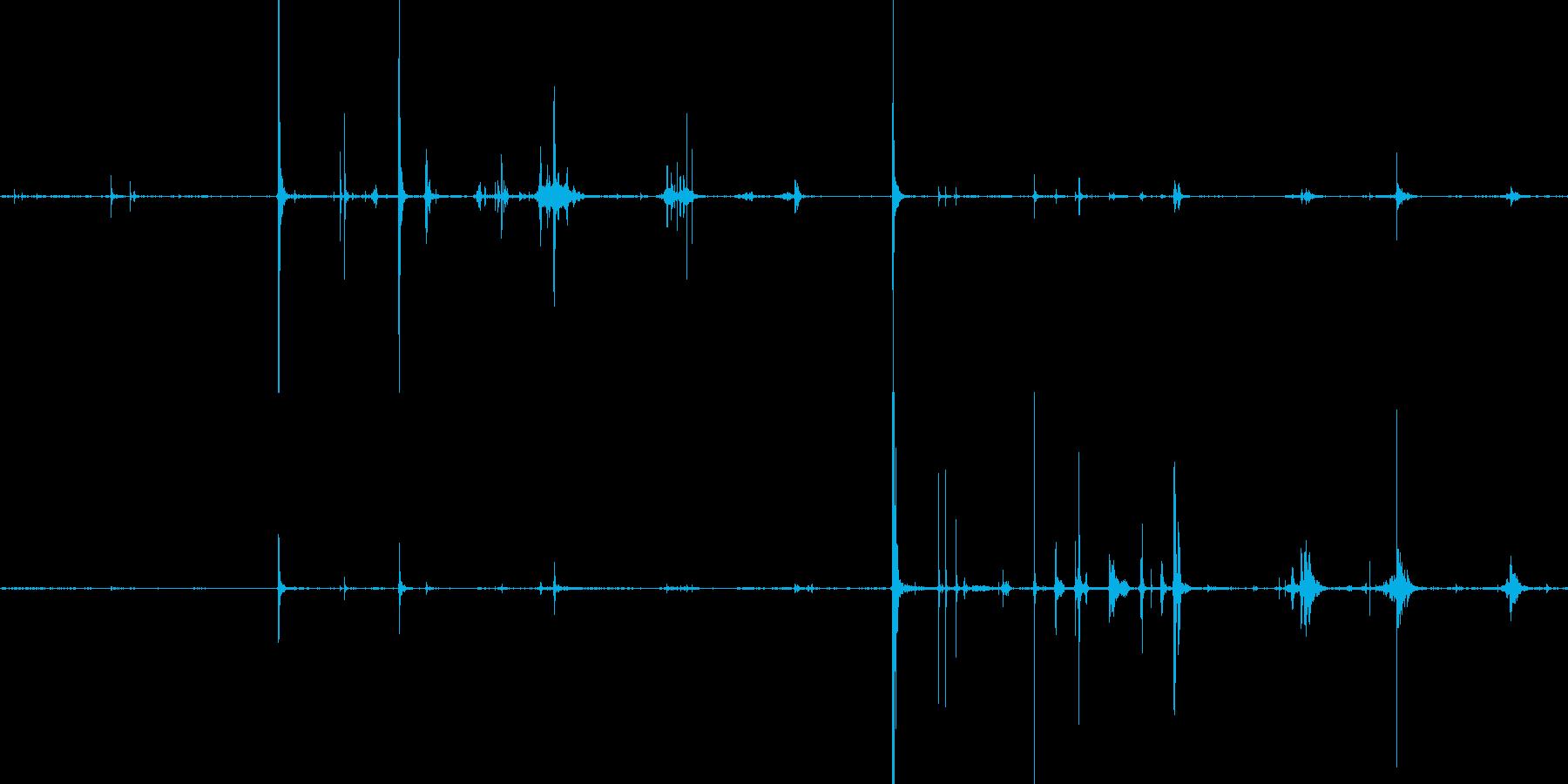 ラムネのようなものを噛む咀嚼音の再生済みの波形