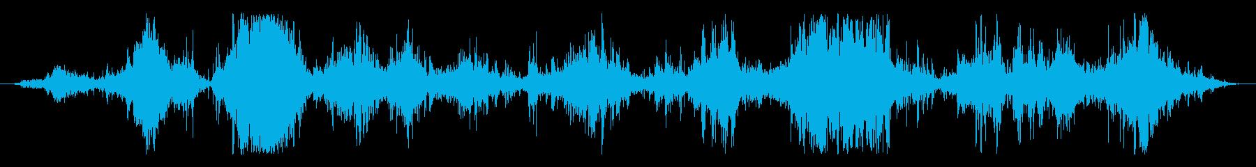 Mediumへの中程度の水または波...の再生済みの波形