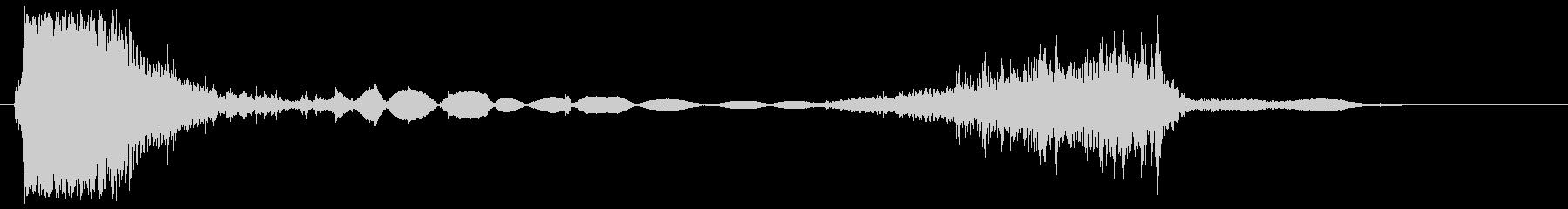 ザ〜、ア〜(鋭く空白のある音)の未再生の波形