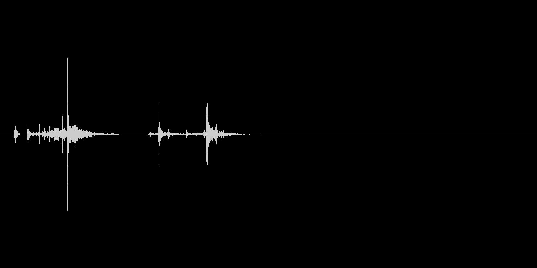 ハンドガン、イーグルタイプ。リロード。の未再生の波形