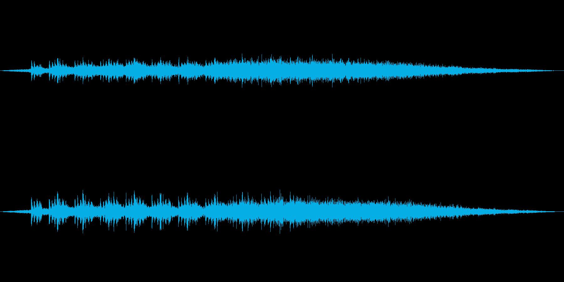 【環境音】電車の通過02の再生済みの波形