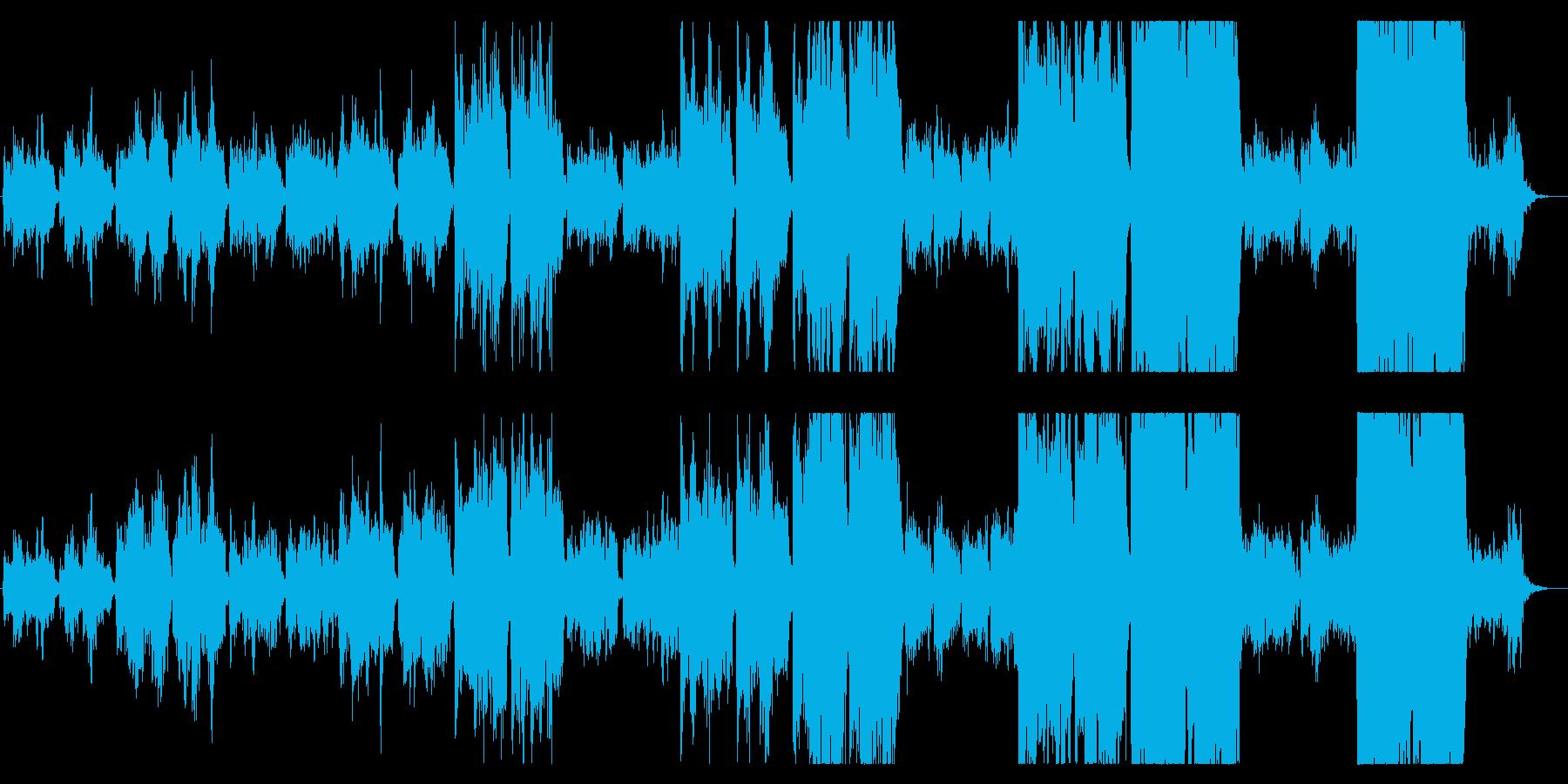男性ボーカルを何重にも重ねたコーラスの再生済みの波形