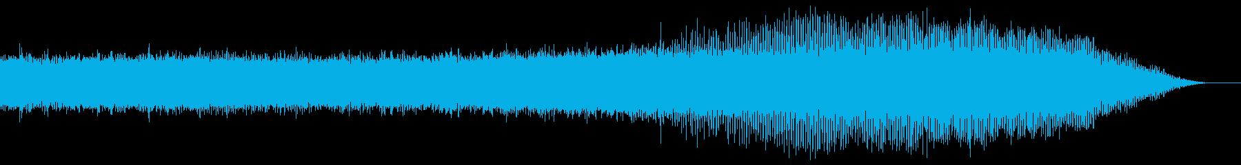 響き渡る夏の終わりの蝉の合唱の再生済みの波形