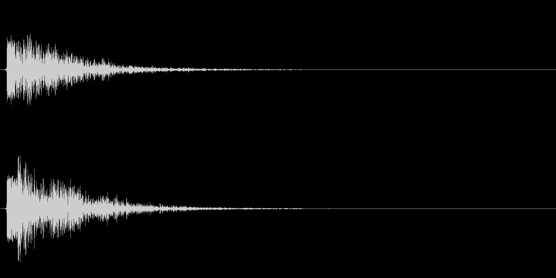 ポヨン(コミカルに跳ねる音)の未再生の波形
