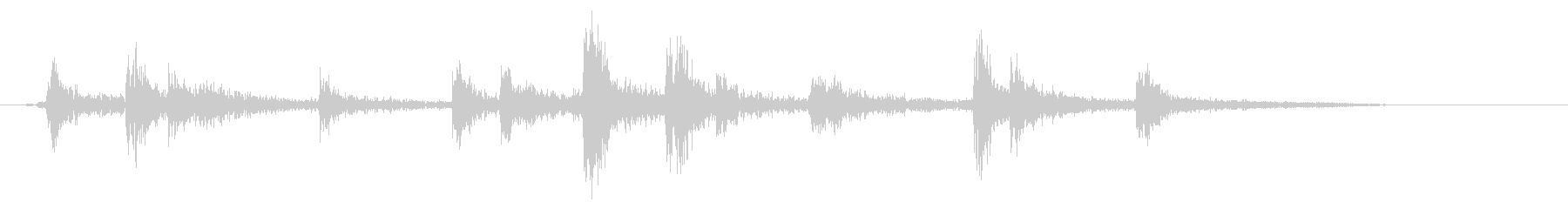 カンカラ(金属の音)の未再生の波形