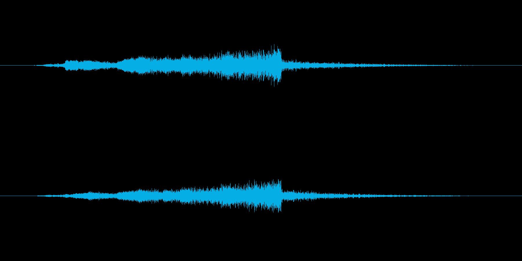 「フューン」と迫るスペーシーな効果音の再生済みの波形
