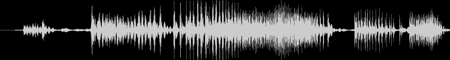 ジジジ(錆びたジッパーをスライドする音)の未再生の波形