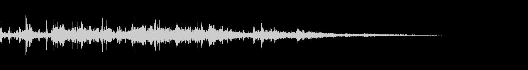 カミナリ(遠雷)-25の未再生の波形