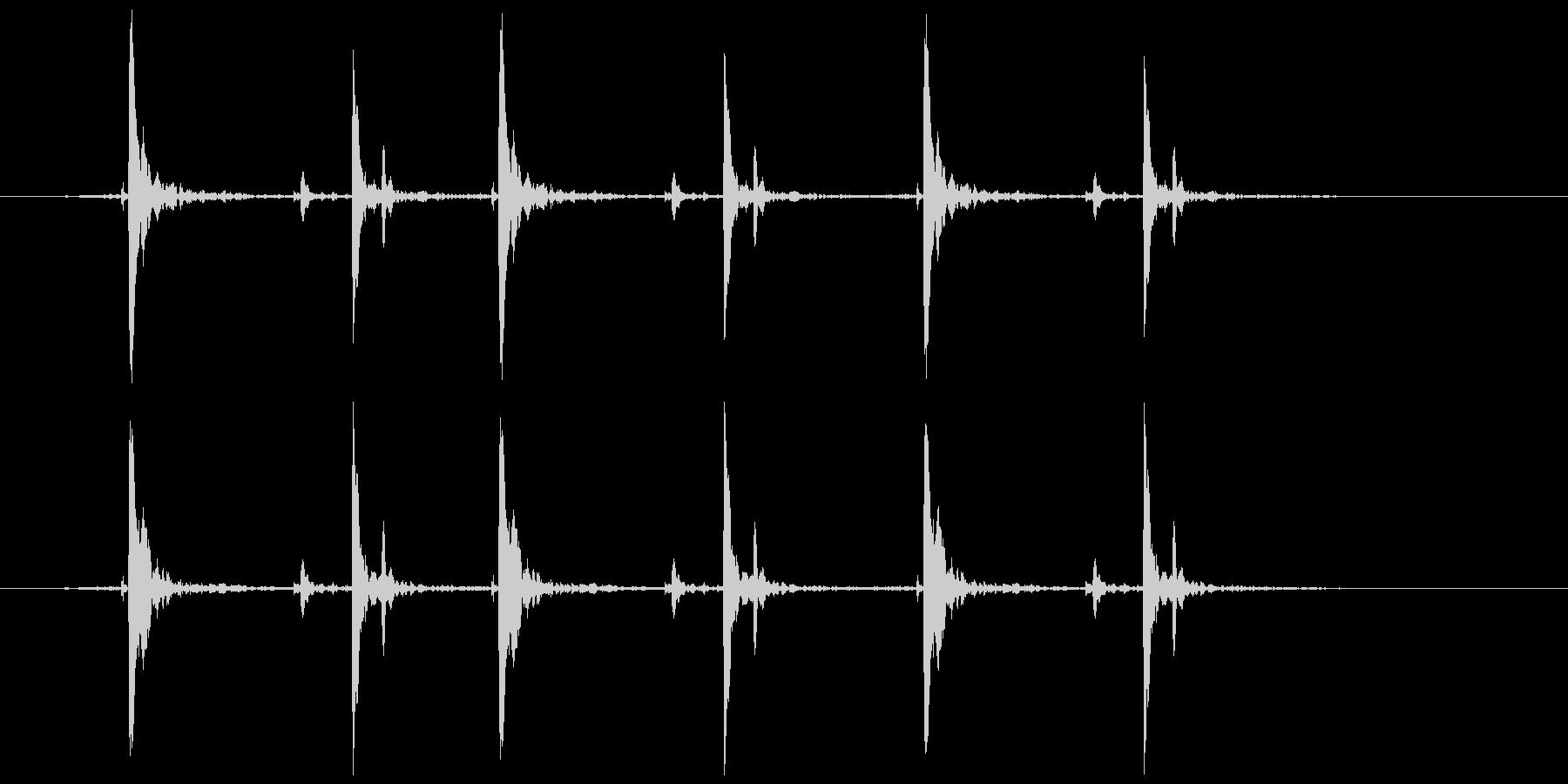 木のガラガラ(振る等)カタカタカタの未再生の波形