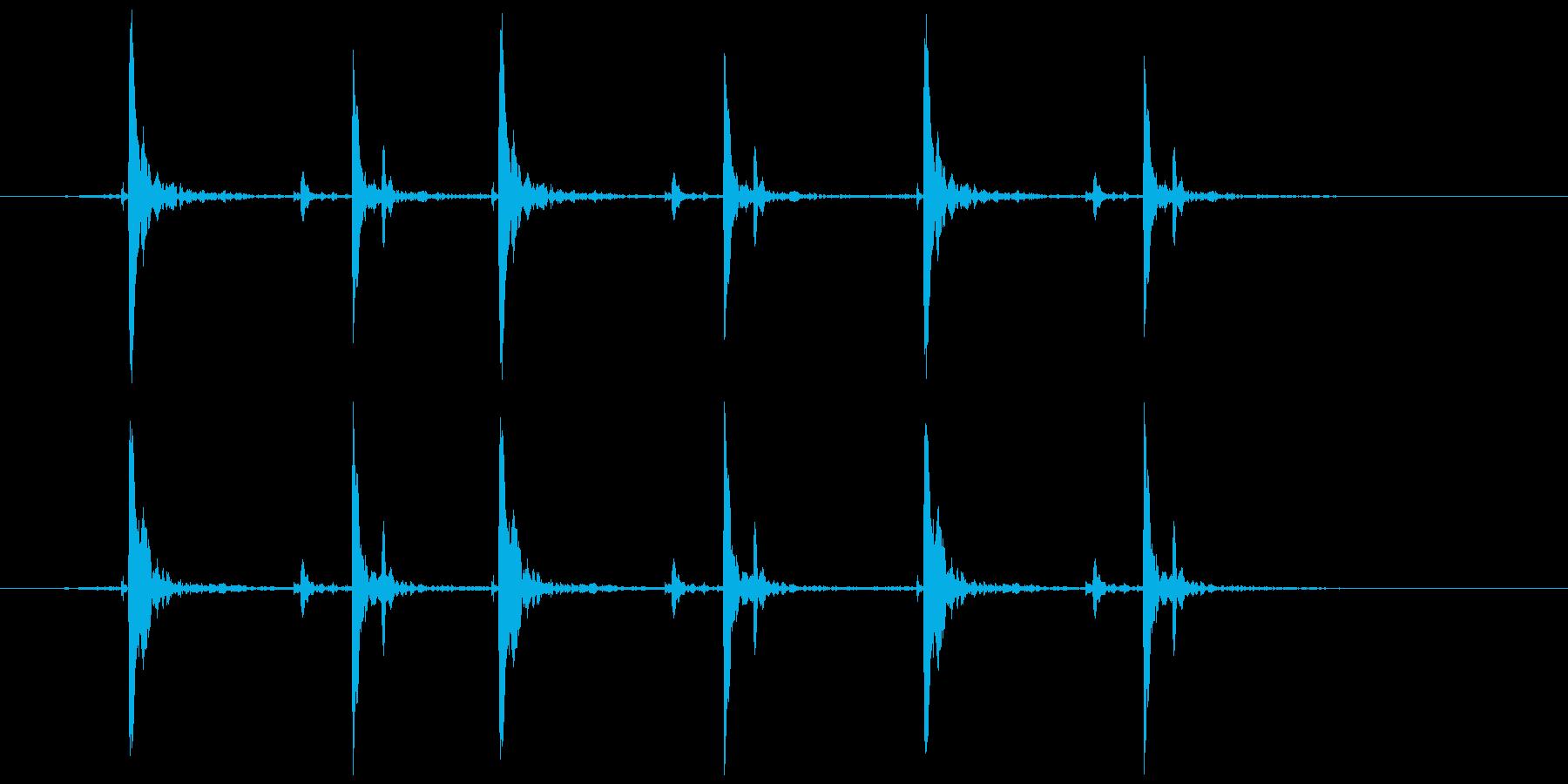 木のガラガラ(振る等)カタカタカタの再生済みの波形
