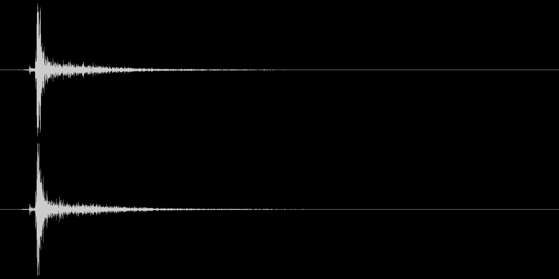 鍵をかける (施錠解錠) カッの未再生の波形