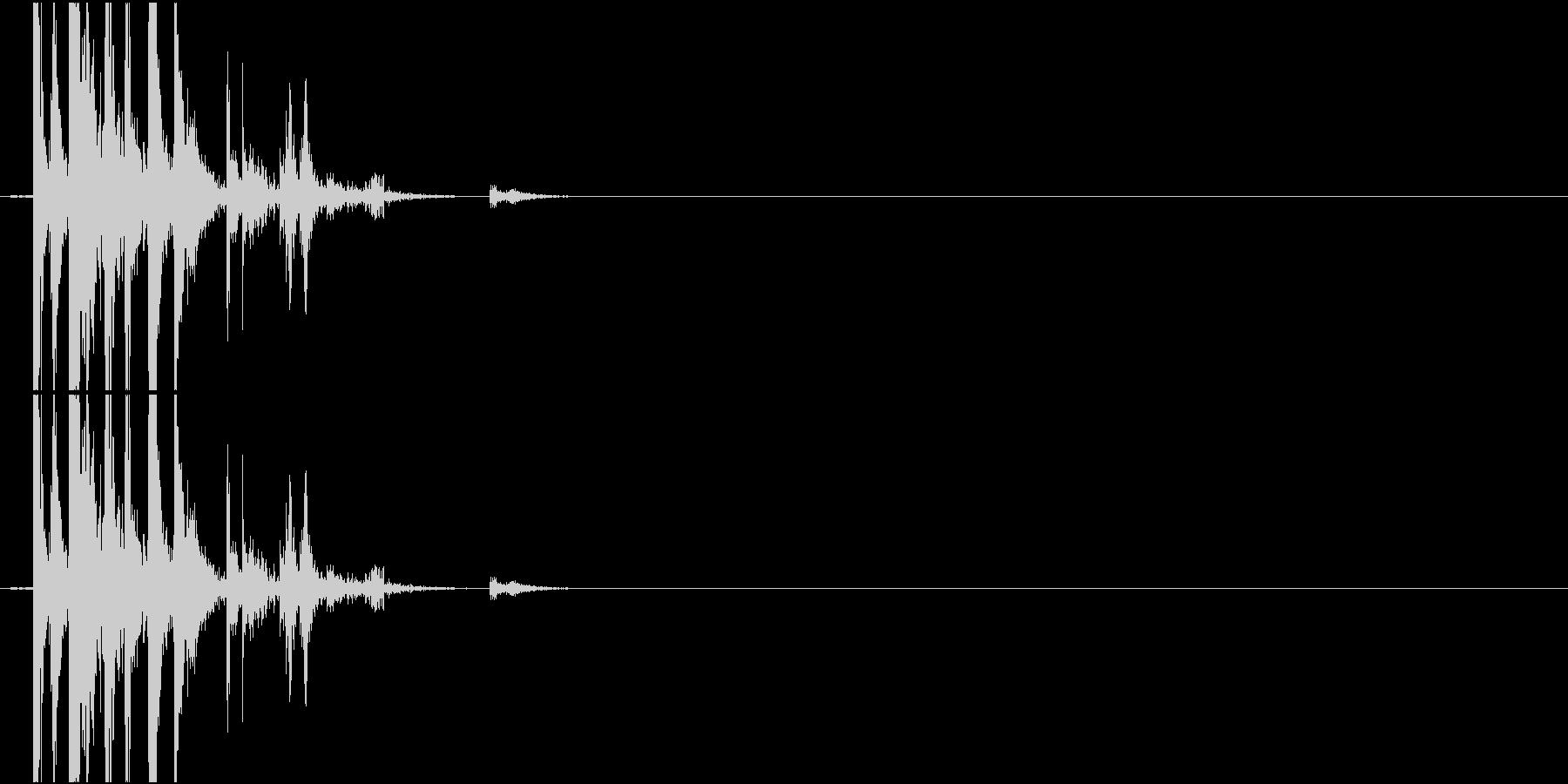 Chopsticks 箸を投げ置く音の未再生の波形