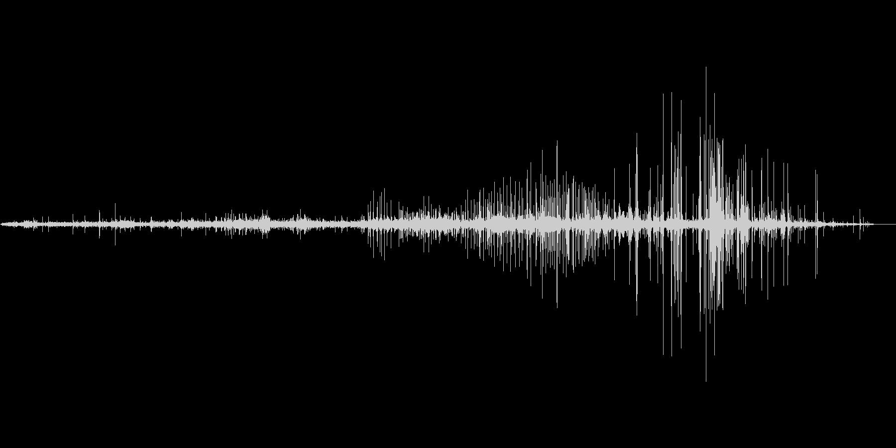 縄が軋む音の未再生の波形