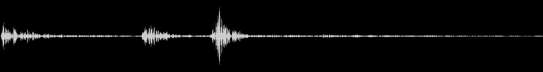 カチッ(装着/スイッチ/セット)の未再生の波形
