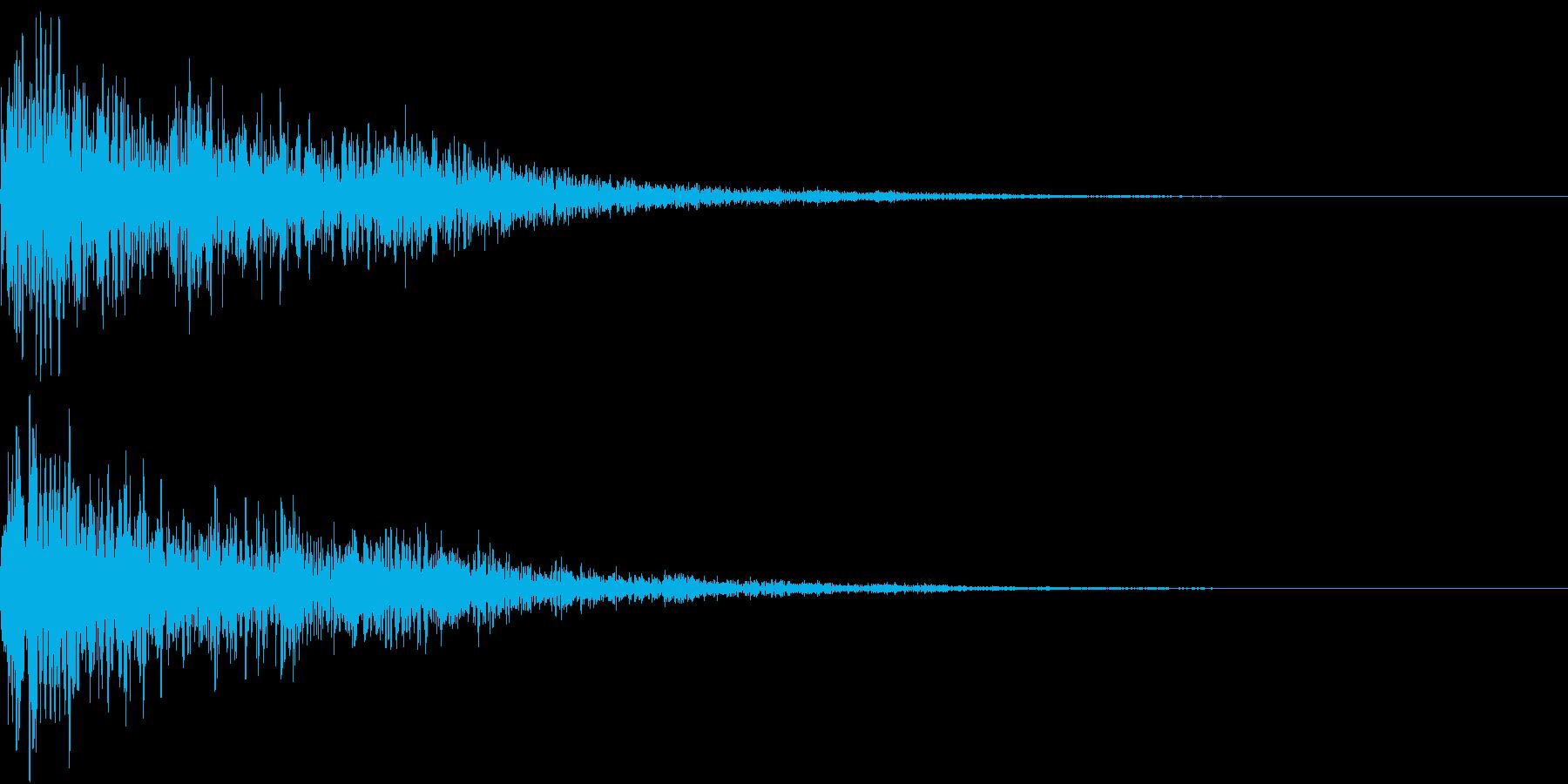 ハリウッド映画の予告のような効果音の再生済みの波形