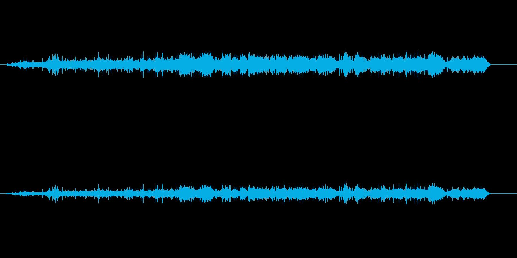 ドラッグスター車の騒音モーター出力の再生済みの波形