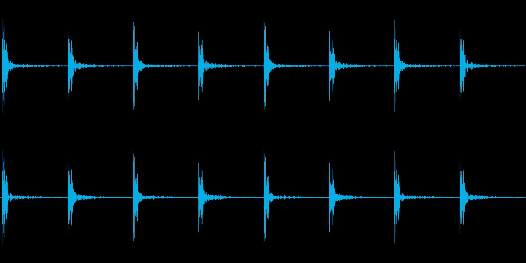 足音 パターンBロング版 重量感ある足音の再生済みの波形
