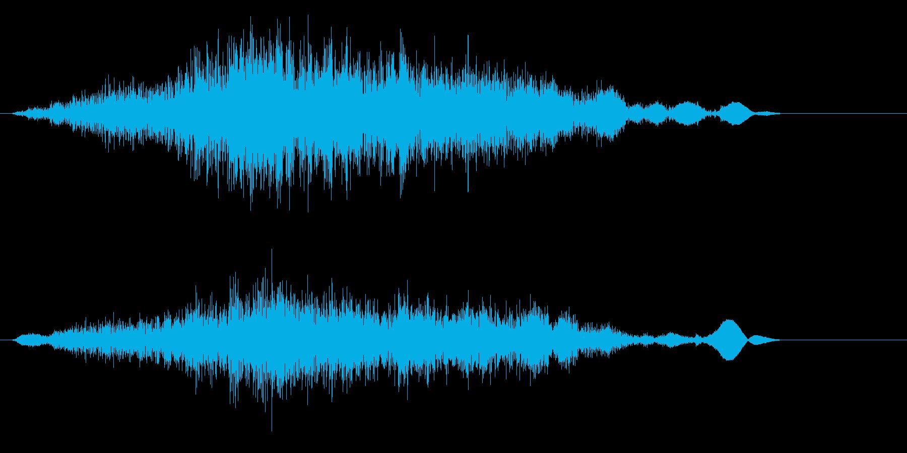 砂などの細々したものをすくう音の再生済みの波形