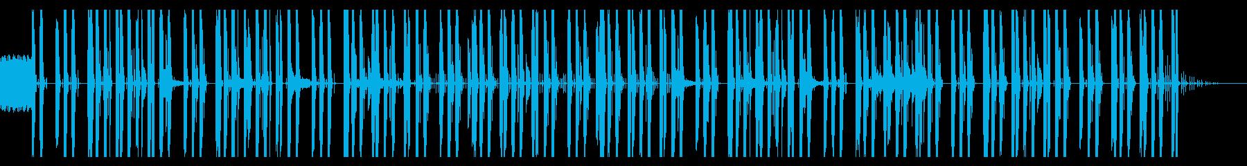 忍び寄る感じのビートのテクノっぽい曲の再生済みの波形