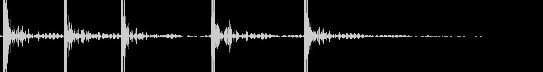 ドンドンドンドン,ドン (ドアを叩く音)の未再生の波形