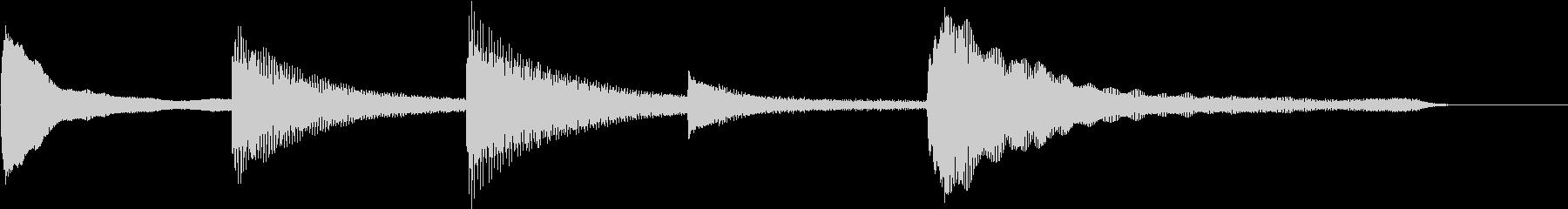心に響くシンプルなピアノジングルの未再生の波形