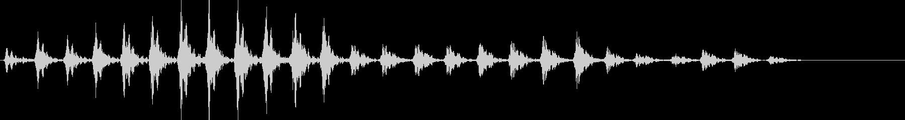 トンカチの音01の未再生の波形