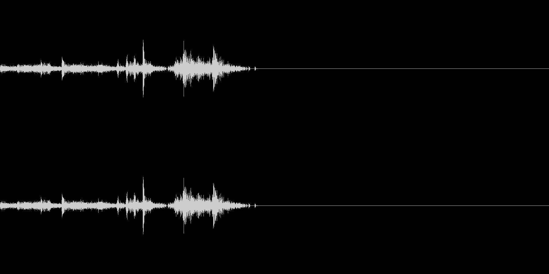 本のページをめくる音 2の未再生の波形