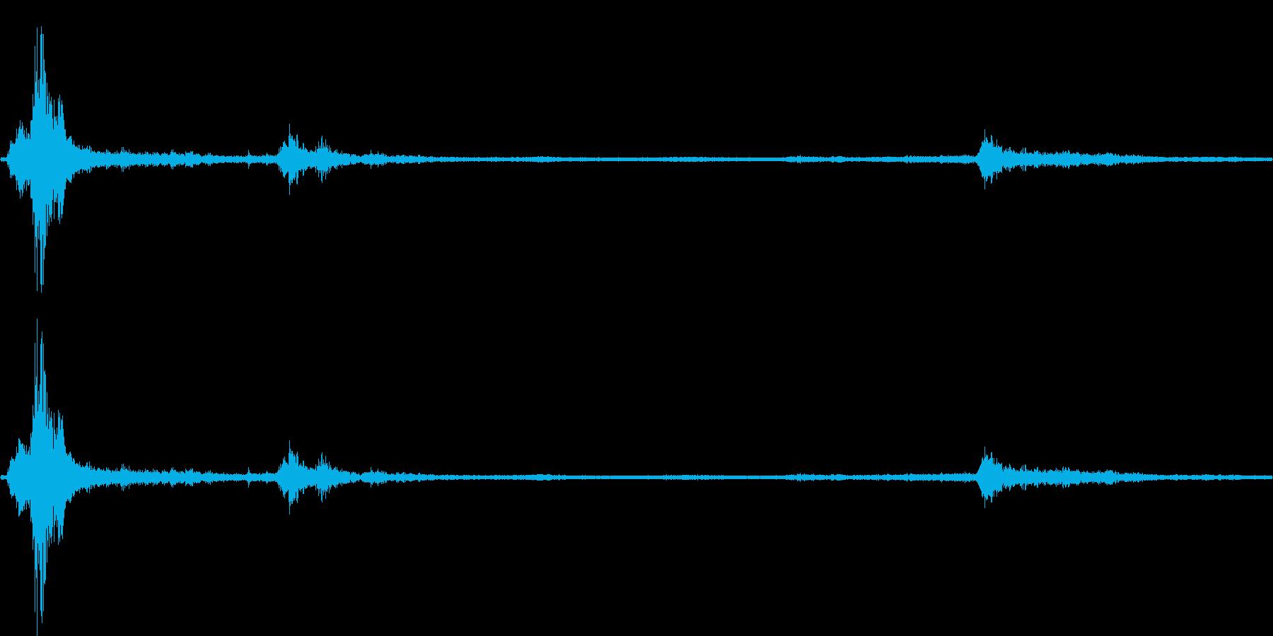 【生音】夏の日の雷 - 1 (蝉・雷・…の再生済みの波形