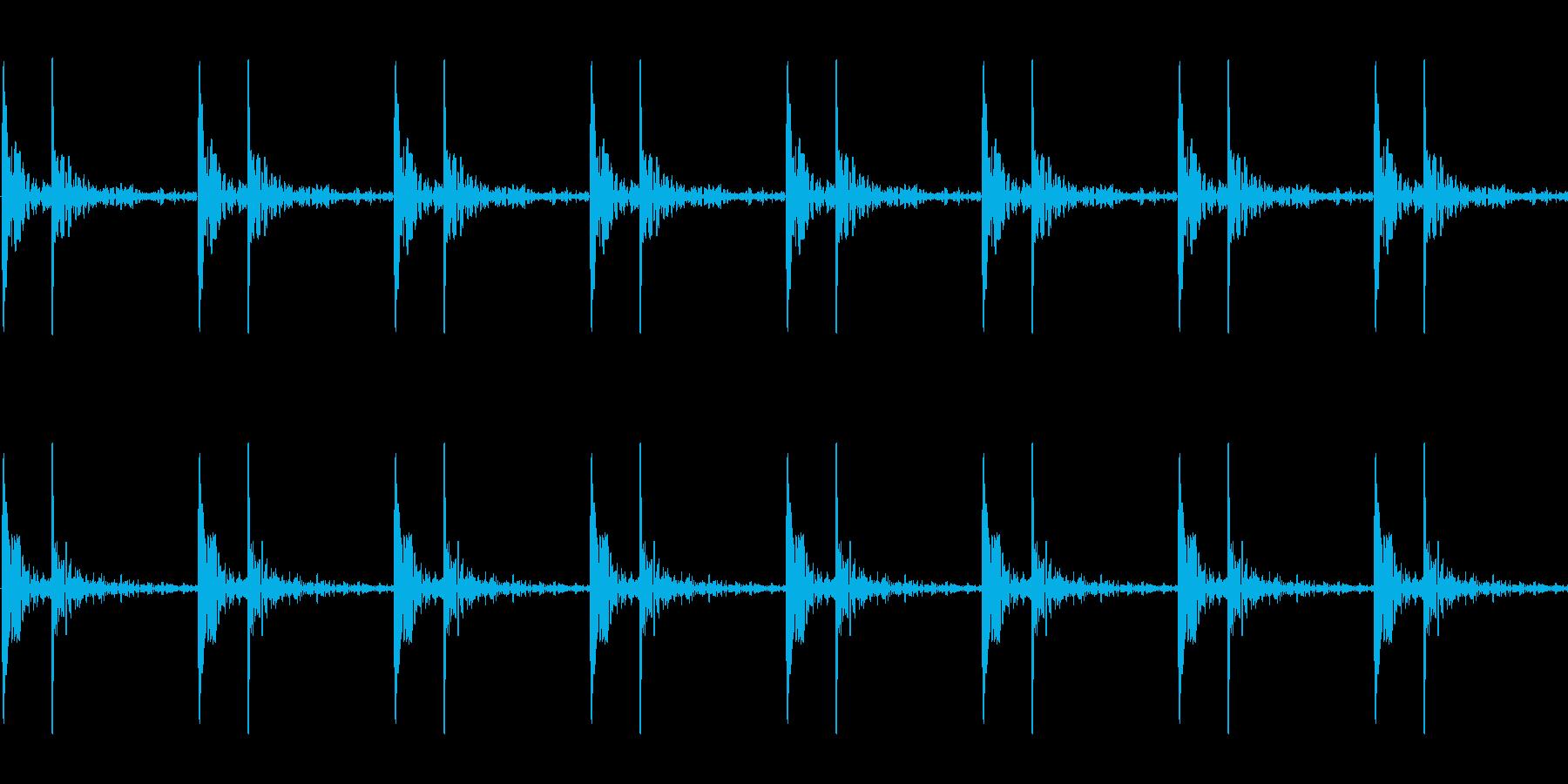 心臓の鼓動_下降_心拍数60(残響あり)の再生済みの波形