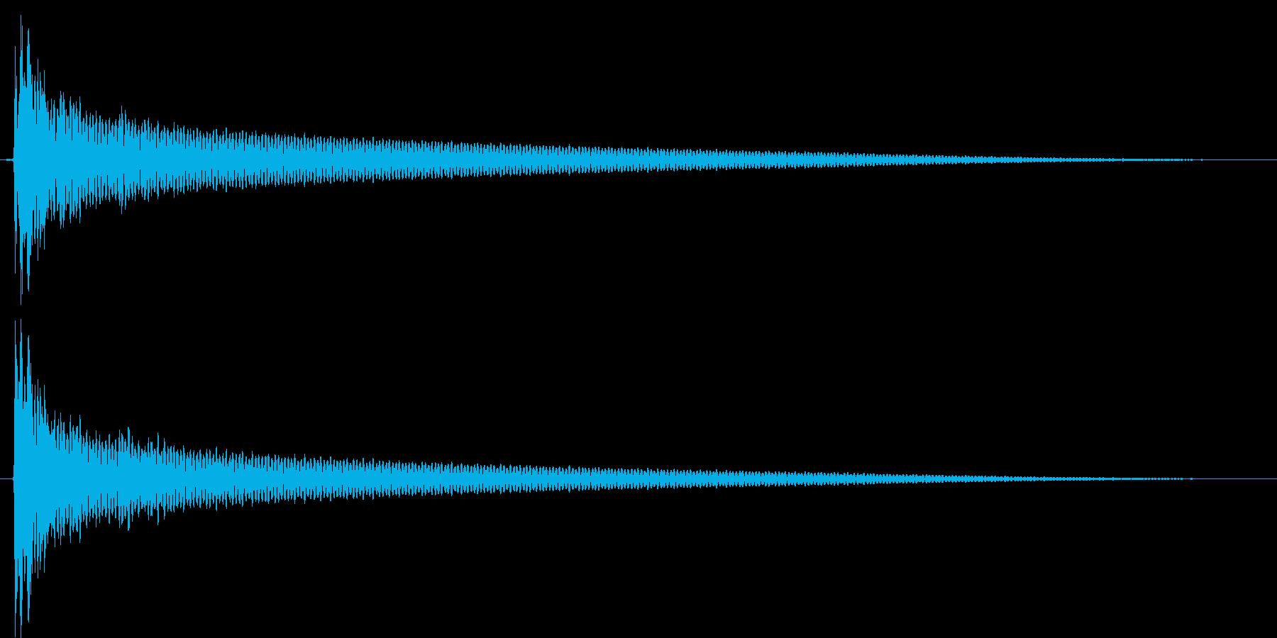 インパクト、衝撃、ヒット音です。『コン』の再生済みの波形