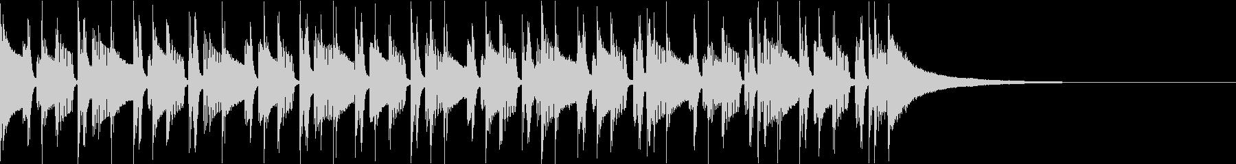 緩めのリズムに印象的なベルの音色の未再生の波形
