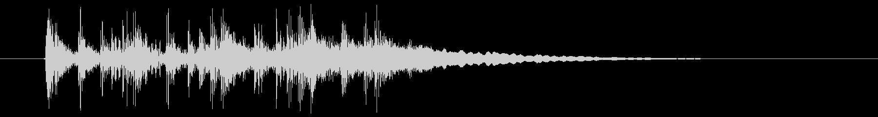 アップテンポで幻想的な音楽の未再生の波形