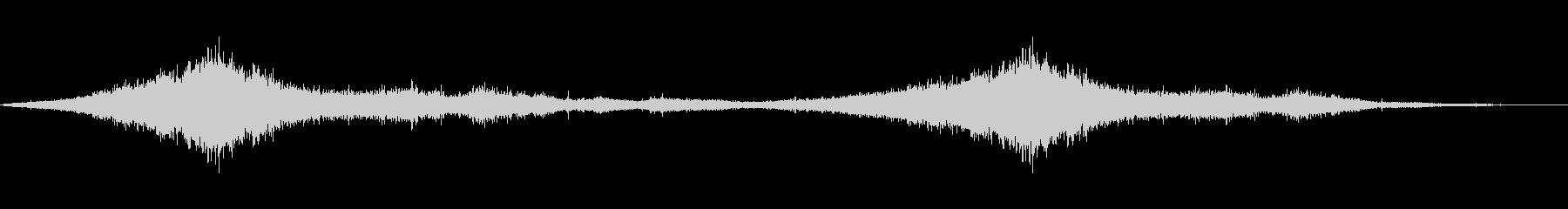 穏やかに流れる海の波の音の未再生の波形