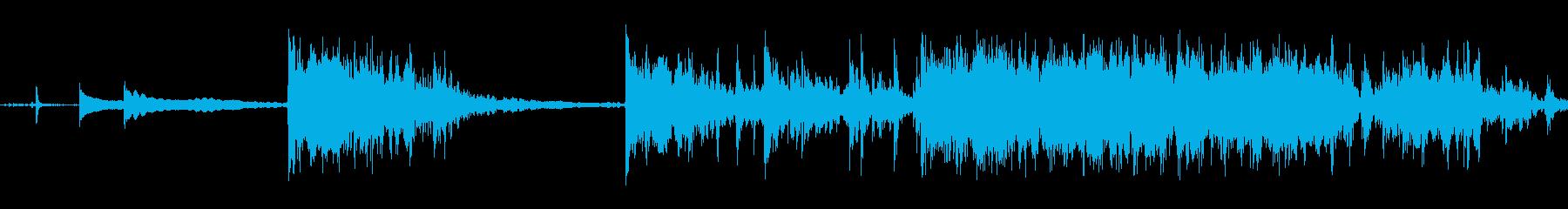 多めの硬貨を机に落とす音Bの再生済みの波形