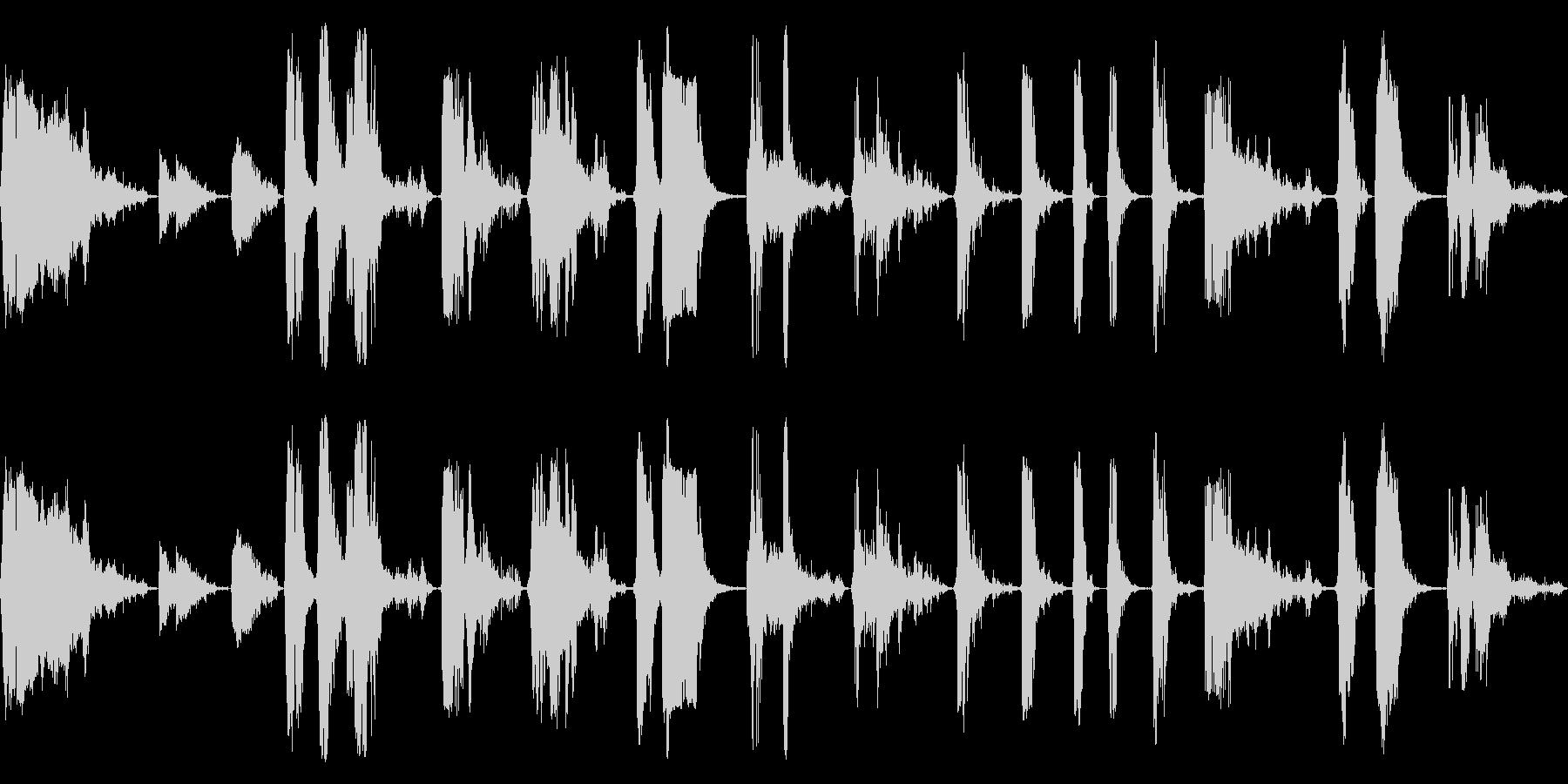 大規模な雷と雷撃、重いゴロゴロ、複...の未再生の波形