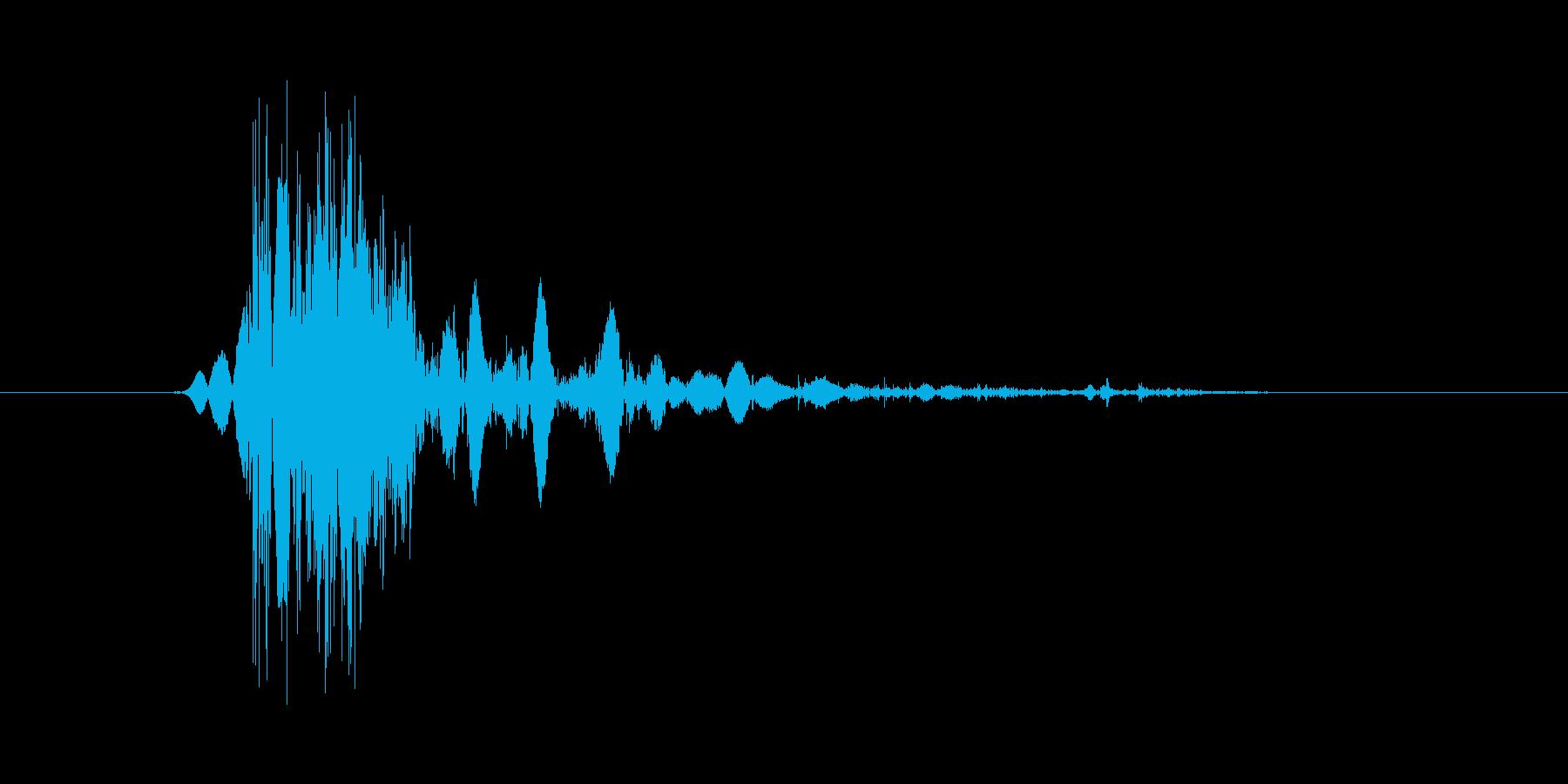 こん棒やメイスなどで攻撃する 03の再生済みの波形
