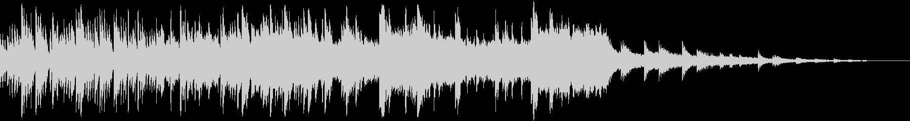 ノスタルジックなハープの音色が幻想的な曲の未再生の波形