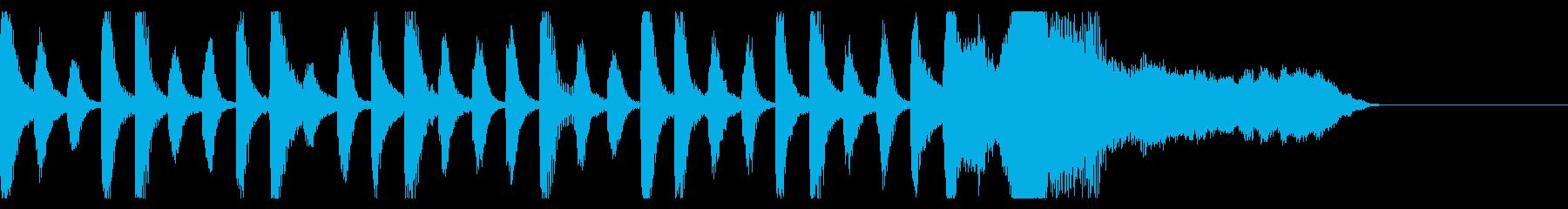 ピアノとバイオリンの愛らしいジングルの再生済みの波形