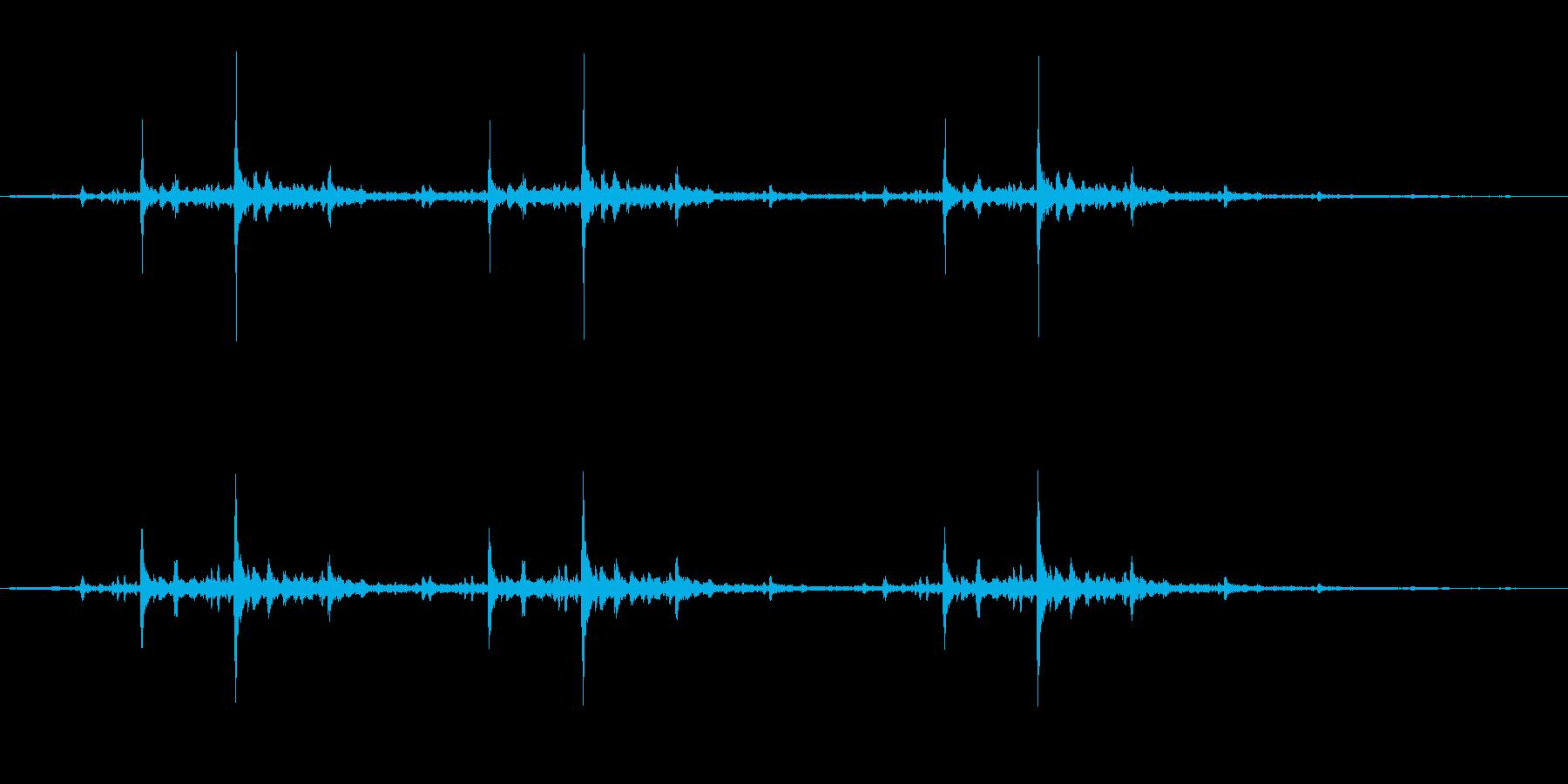 チリチリした高音が続くノイズです。の再生済みの波形