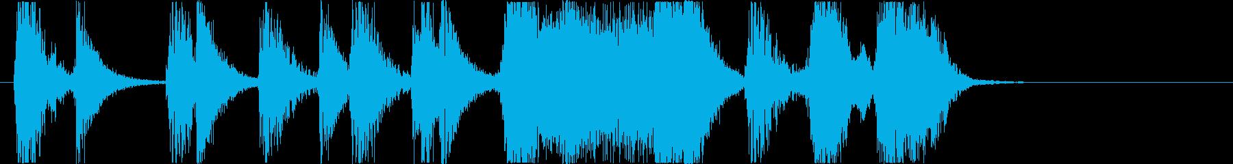 大勢のストンプと掛け声のジングルの再生済みの波形