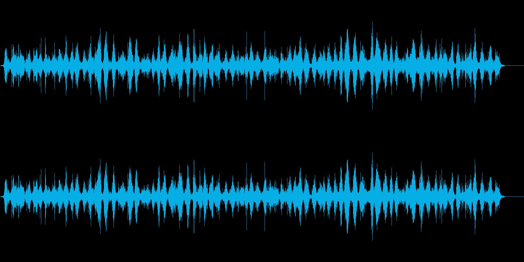 中間の次の湖の波の再生済みの波形