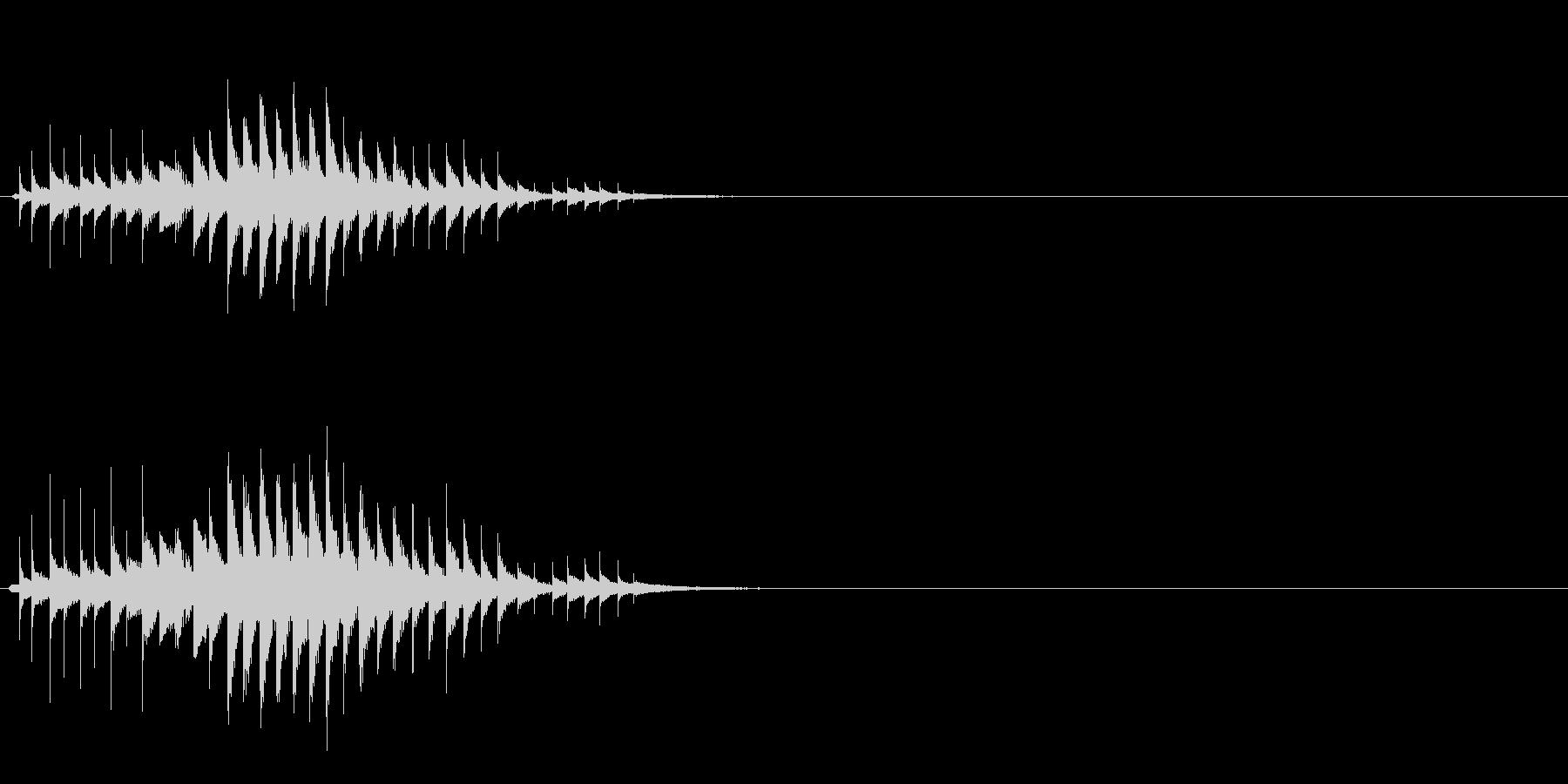 おばけ ちりちりちり(上がって下がる)の未再生の波形