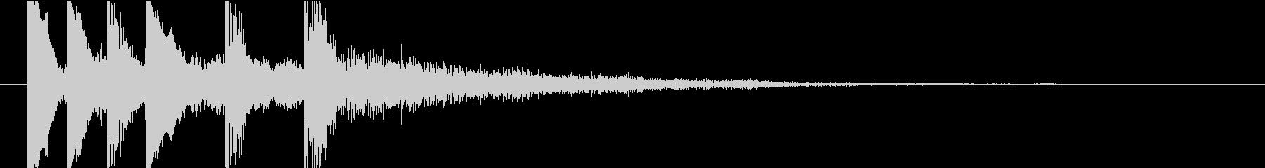 リッチな響きのある短いテーマ音の未再生の波形