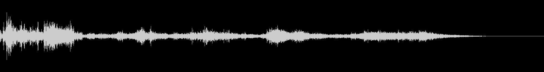 カミナリ(遠雷)-27の未再生の波形