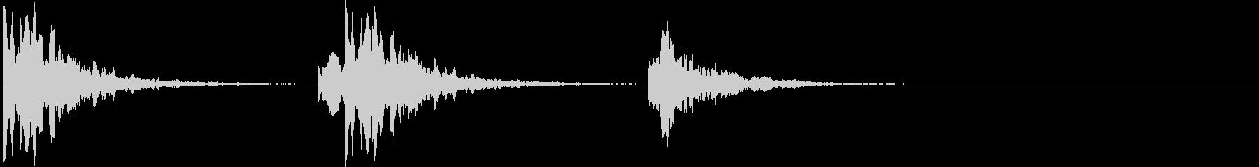 ポタポタ..。洞窟の水滴(低・短)の未再生の波形